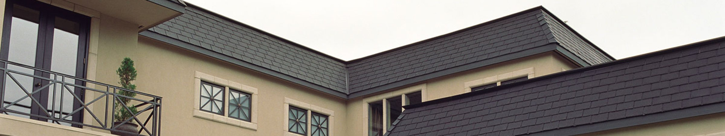 Residence With Majestic Slate Roof Tiles Ecostar